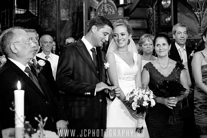 ceremonia biserica nunta