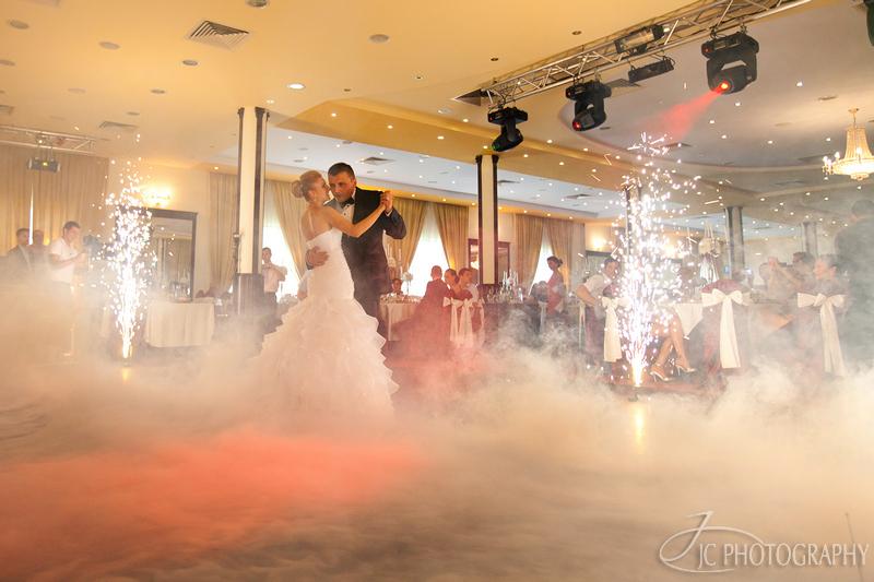 070 Fotografii nunta dansul mirilor Astoria