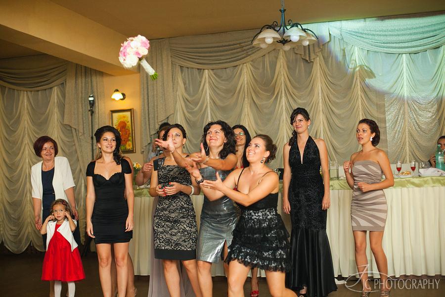 77 Fotografii de nunta Lavinia & Horatiu