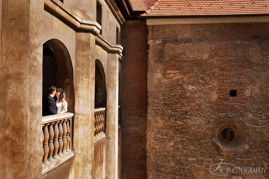 08 Castelul Corvinilor trash the dress
