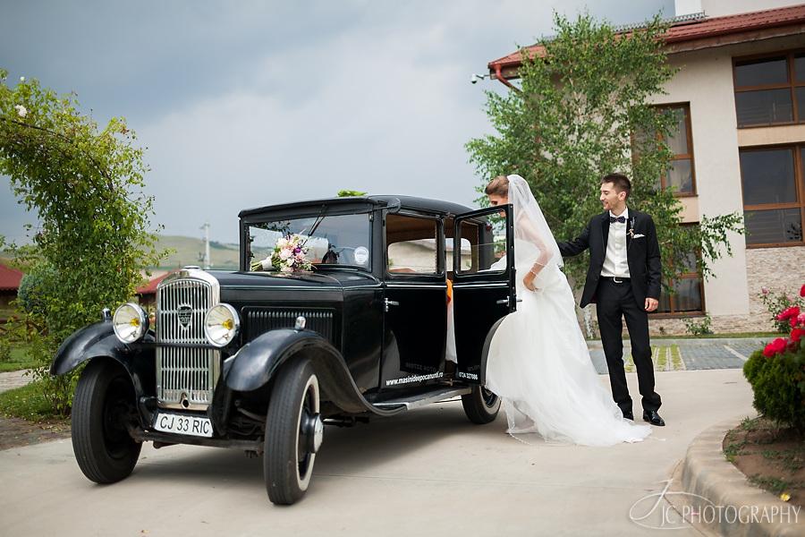 043 Fotografii nunta masina de epoca