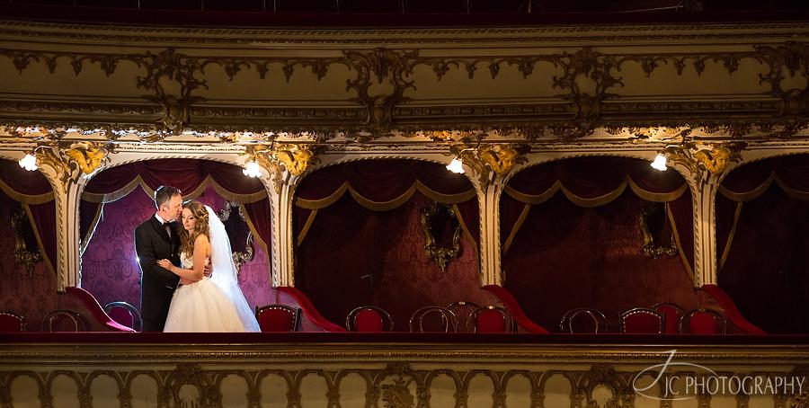 20 Fotografii de nunta la Teatru in Cluj