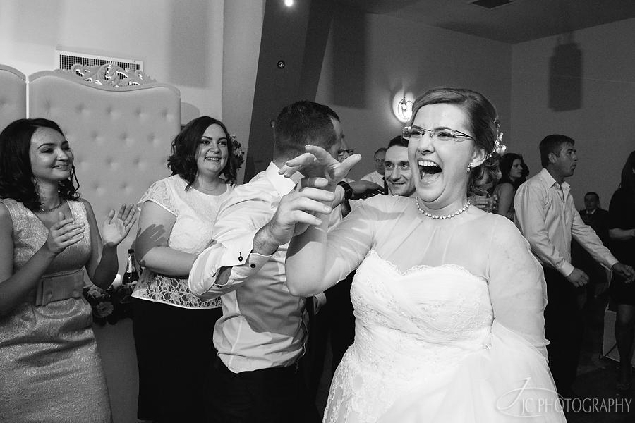 83 Fotografii de nunta in Carei
