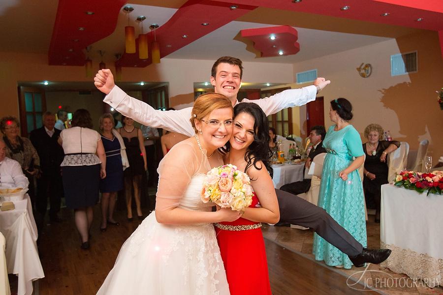 94 Fotografii de nunta in Carei