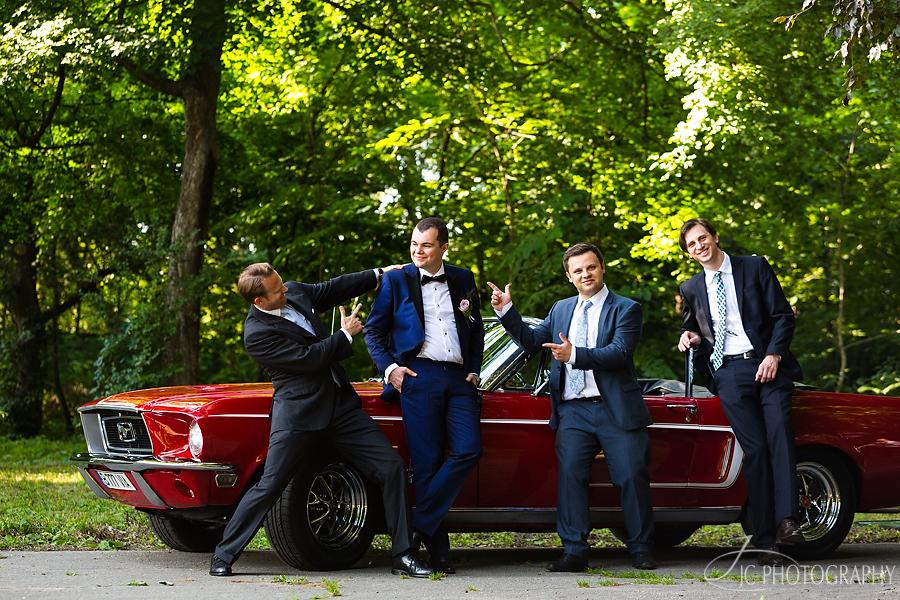 20 Mustang 68 wedding