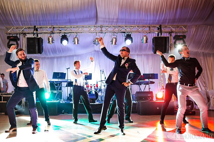51 Party nunta Gangnam Style
