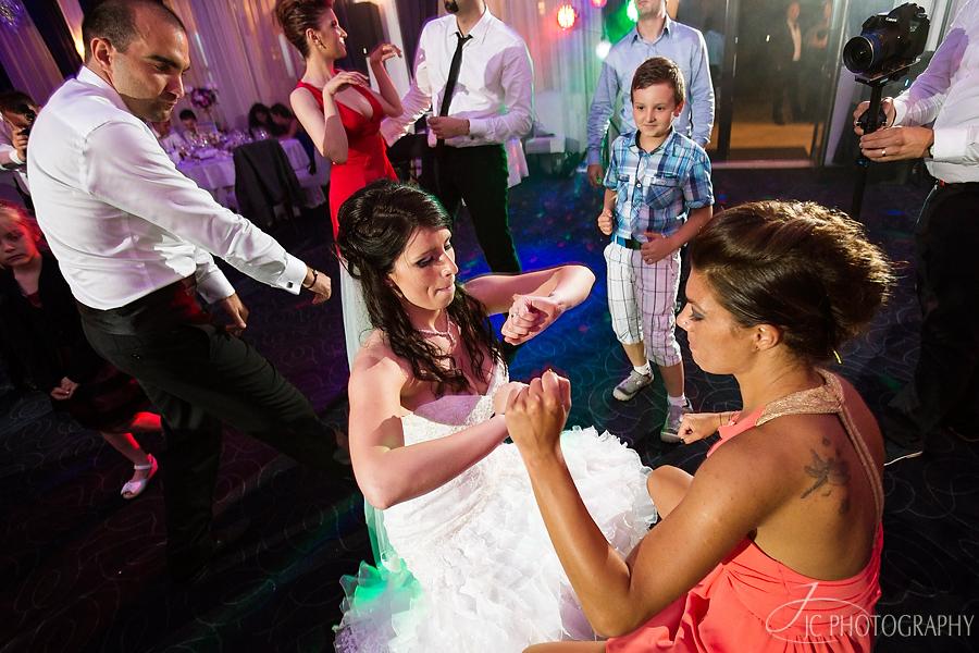65 Dansuri nunta