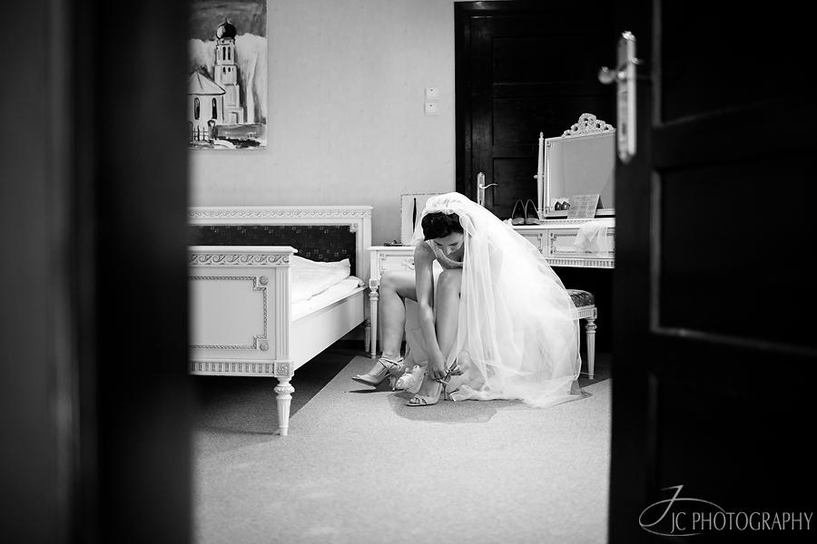 12 Fotografii pregatiri nunta Conacul Heldsdorf Halchiu