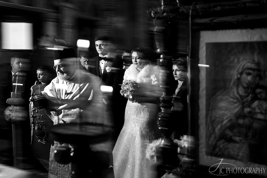 24 Fotografii nunta  biserica
