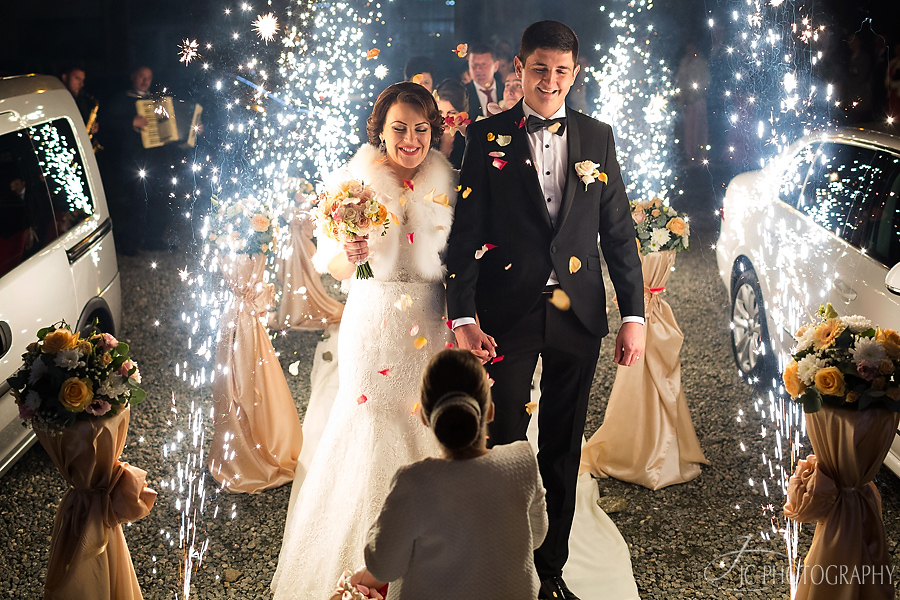 28 Fotografii artificii nunta