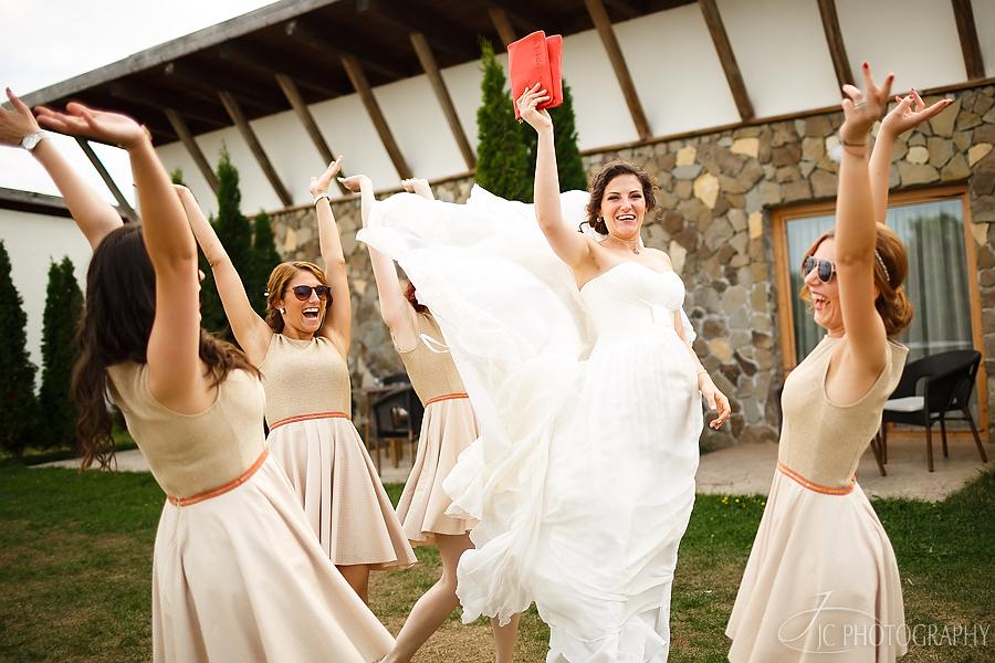 12 Fotografii nunta Golf Hotel Pianu