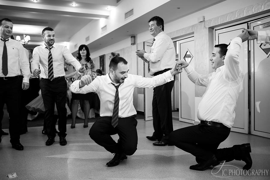 30 Fotografii petrecere nunta Bleumarin