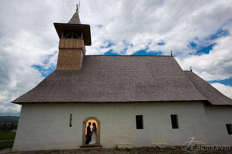 18 Fotografii nunta biserica Galda