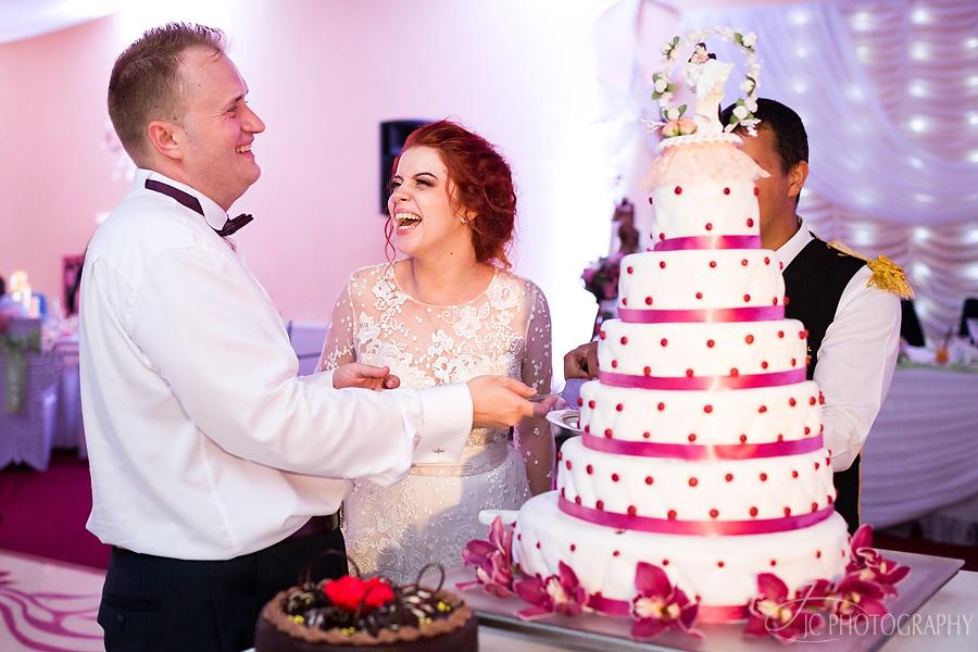 49 Fotografii tortul mirilor nunta Orastie