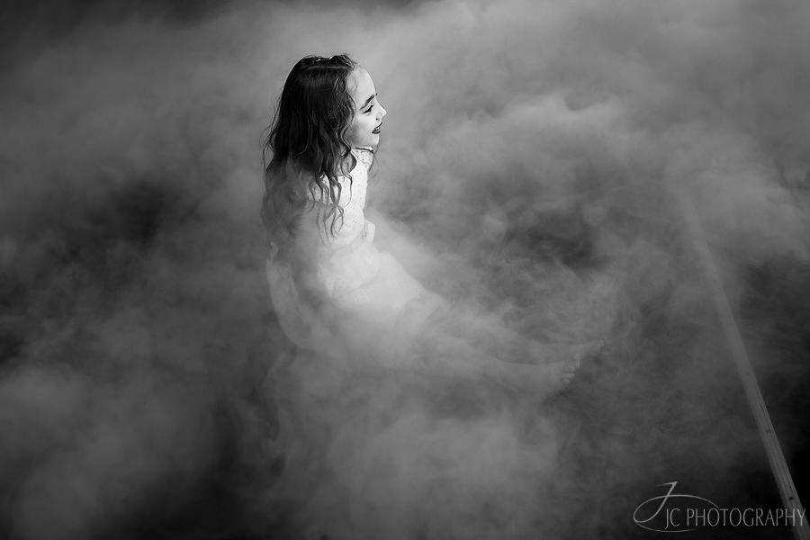 26-Fotografii-dansul-mirilor-gheata-carbonica-nunta-Fagaras
